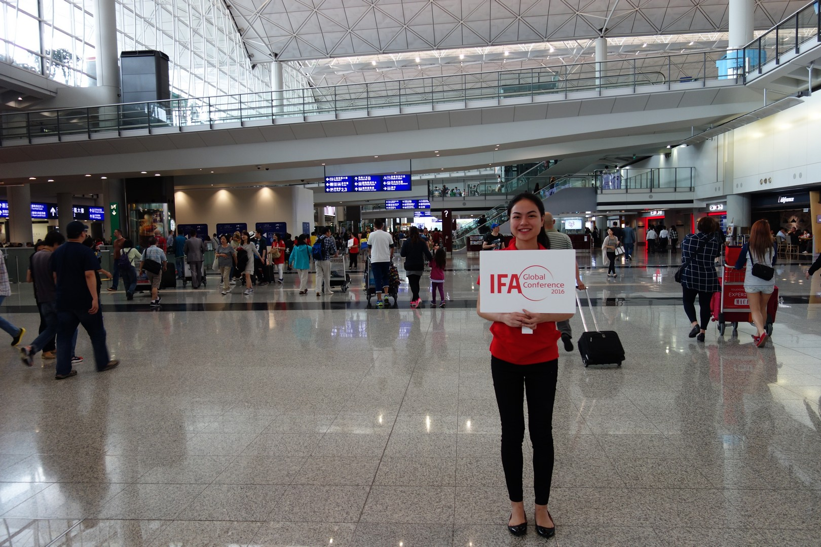 Die erste IFA-Hostess von vielen.