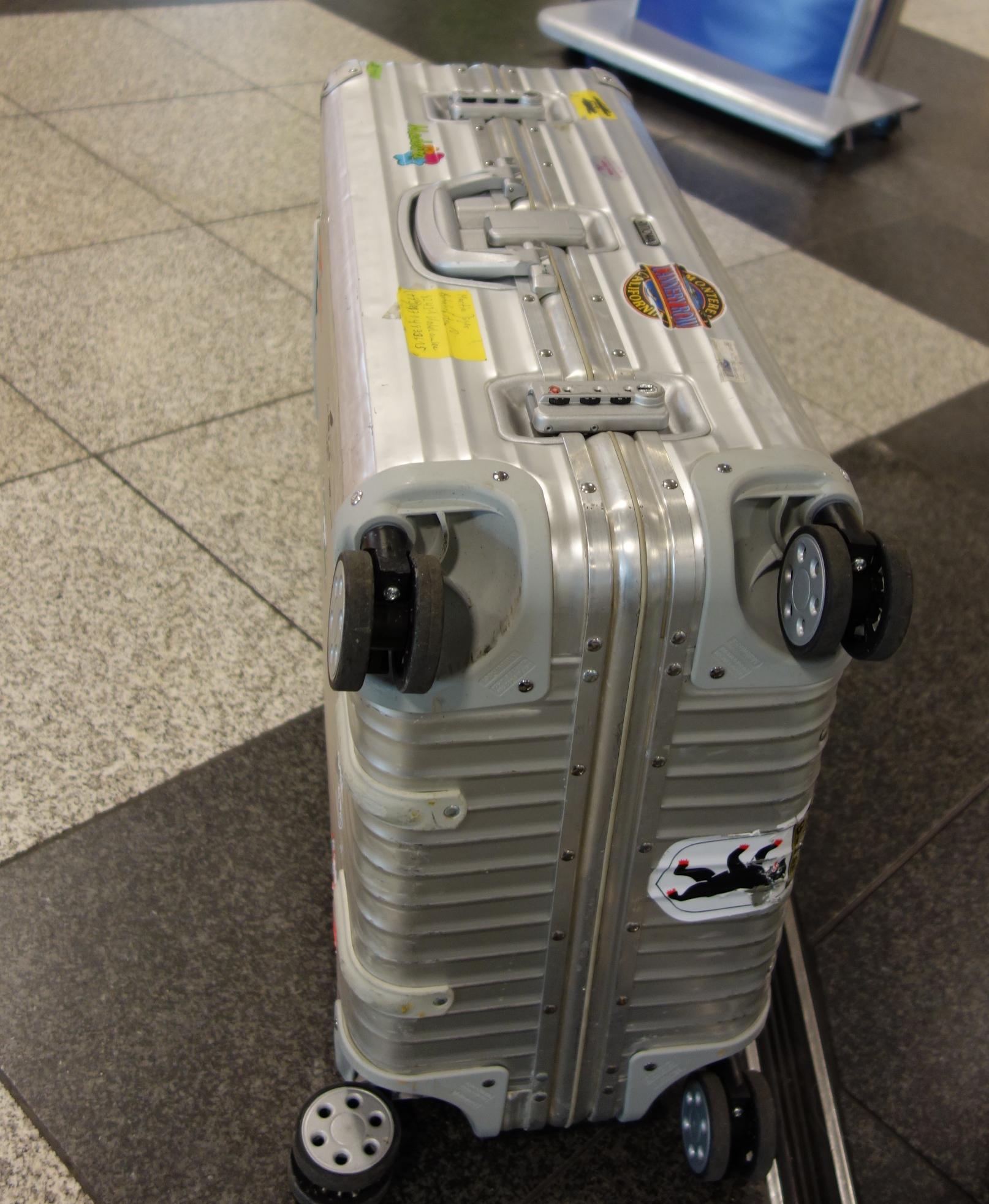 Mein Koffer vor dem Abflug.